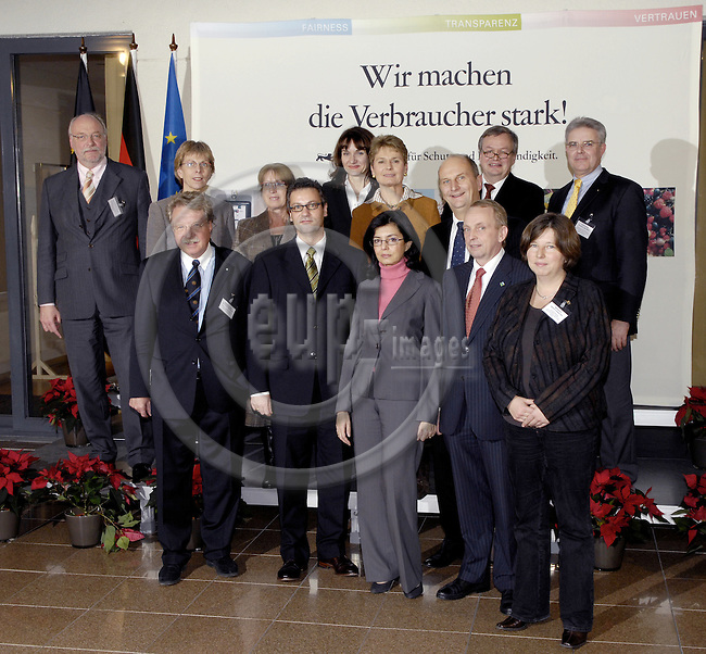 Brussels-Belgium - 05 December 2007---Extraordinary meeting of the German Ministers' Conference on Consumer Protection; here, family photo at the Representation of Baden-Wuerttemberg (Baden-Württemberg / Germany) to the EU with (from left to right) first row (1-5) and second row (6-13):.1- Dr. Otmar BERNHARD, Staatsminister Bayer;.2- Peter HAUK, Minister, Baden-Wuerttemberg, acting Chairman of the Conference;.3- Meglena KUNEVA, European Commissioner for Consumer Protection;.4- Dr. Till BACKHAUS, Minister, Mecklenburg-Vorpommern;.5- Katrin LOMPSCHER, Senatorin, Berlin;.6- Dr. Alexander SCHINK, Staatssekretaer, Nordrhein-Westfalen;.7- Ingelore ROSENKOETTER (Rosenkötter), Senatorin, Hansestadt Bremen;.8- Dr. Gerlinde KUPPE, Ministerin, Sachsen-Anhalt;.9- Jacqueline KRAEGE, Staatssekretaerin, Rheinland-Pfalz;.10- Friedlinde GURR-HIRSCH, Staatssekretaerin, Baden-Wuerttemberg;.11- N.N..12- Dietmar WOIDKE, Minister, Brandenburg;.13- Friedrich-Otto RIPKE, Staatssekretaer, Niedersachsen;.---Photo: Horst Wagner/eup-images