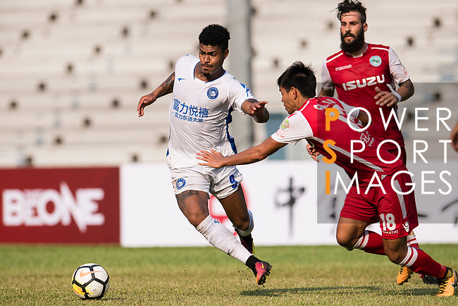 Bruno da Silva Sabino R&F F.C (L) in action against Runqiu Che of Kwoon Chung Southern (R) during the week three Premier League match between Kwoon Chung Southern and R&F at Aberdeen Sports Ground on September 16, 2017 in Hong Kong, China. Photo by Marcio Rodrigo Machado / Power Sport Images