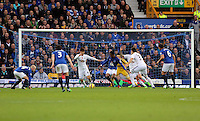 Liverpool, UK. Saturday 01 November 2014<br /> Pictured: Ki Sung Yueng of Swansea defending<br /> Re: Premier League Everton v Swansea City FC at Goodison Park, Liverpool, Merseyside, UK.
