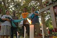 A missionária americana Jane Elisabeth Dwyer, e trabalhadores rurais, participam  de cerimônia durante missa em homenagem aos seis meses pelo assassinato de irmã Dorothy Stang  .<br />Anapú, Pará, Brasil<br />Foto Paulo Santos/Interfoto