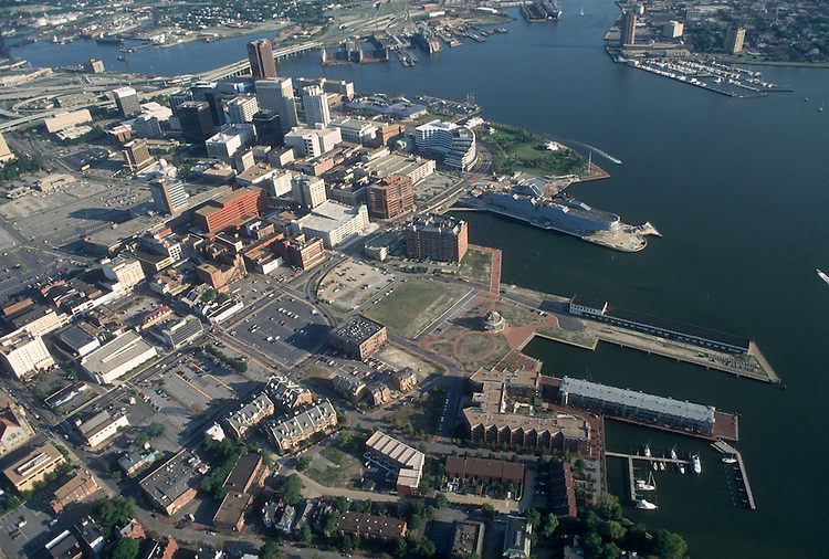 1993 August 20..Redevelopment.Downtown West (A-1-6)..LOOKING SOUTHEAST.FREEMASON HARBOR IN FORGROUD...NEG#.NRHA#..