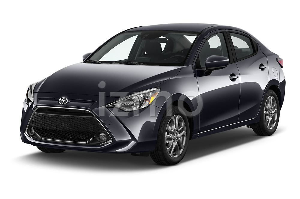 2018 Toyota Yaris LE 4 Door Sedan angular front stock photos of front three quarter view