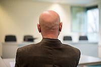 """Karl-Heinz Hoffmann, geb 27.10.1937, Gruender der 1980 als verfassungsfeindlich verbotenen Neonazi-Organisation """"Wehrsportgruppe Hoffmann"""" (WSG Hoffmann), klagt gegen seine geheimdienstliche Ueberwachung durch das Bundesamt fuer Verfassungsschutz vor dem Verwaltungsgericht Berlin. Am Mittwoch den 10. Februar 2016 kam es zu einer muendlichen Verhandlung.<br /> Aufgrund eines Verdachts, Hoffmann sei gemeinsam mit weiteren Personen im Begriff, eine rechtsterroristische Untergrundoranisation aufzubauen, beantragte das Bundesamt fuer Verfassungsschutz im April 2012 beim Bundesinnenministerium die Ueberwachung von Telekommunikation und Post sowie die Einholung von Auskuenften beim Bundeszentralamt fuer Steuern und bei Kreditinstituten. Nach Beendigung der Massnahmen wurde der Klaeger ueber die erfolgte Ueberwachung und die Auskunftserteilung in Kenntnis gesetzt.<br /> Das Bundesinnenministerium begruendete die getroffenen Anordnungen mit Anhaltspunkten dass Hoffmann am Aufbau einer Organisation beteiligt gewesen sei, """"die den Umsturz des Staates mit Anschlaegen u.a. gegen die Bundeskanzlerin, Politiker im """"Mittelbau"""" des Staates und Einrichtungen der USA sowie Ueberfaelle zur Beschaffung von Waffen geplant habe.""""<br /> Die WSG-Hoffmann und Mitglieder der Organisation waren in der Vergangenheit in Mordanschlaege und den den Anschlag auf das Muenchner Oktorberfest verstrickt.<br /> So hat Gundolf Koehler, Mitglied WSG Hoffmann, am 26. September 1980 den Anschlag auf das Muenchner Oktorberfest veruebt, bei dem 12 Menschen ermordet wurden und Koehler selber starb. Am 19. Dezember 1980 wurden der Nuernberger Verleger Shlomo Levin und seine Lebensgefaehrtin Fried Poeschke von dem WSG-Mitglied Uwe Behrendt ermordet, die Tatwaffe gehoerte Karl-Heinz Hoffmann. Die WSG-Mitglieder Odfried Hepp und Walter Kexel veruebten mehrere Bankueberfaelle und Autobombenanschlaege auf US-Streitkraefte.<br /> Im Bild: Karl-Heinz Hoffmann im Gerichtssaal.<br /> 10.2.2016, Berlin<br /> Copyright: C"""