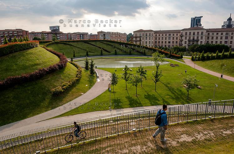 Milano, parco al quartiere Portello --- Milan, park at Portello district