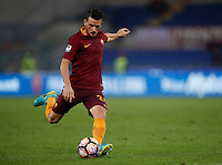 Calcio, Serie A: Roma vs Inter. Roma, stadio Olimpico, 2 ottobre 2016.<br /> Roma&rsquo;s Alessandro Florenzi in action during the Italian Serie A football match between Roma and FC Inter at Rome's Olympic stadium, 2 October 2016.<br /> UPDATE IMAGES PRESS/Isabella Bonotto
