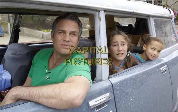 Mark Ruffalo, Imogene Wolodarsky, Ashley Aufderheide<br /> in Infinitely Polar Bear (2014) <br /> *Filmstill - Editorial Use Only*<br /> CAP/FB<br /> Image supplied by Capital Pictures