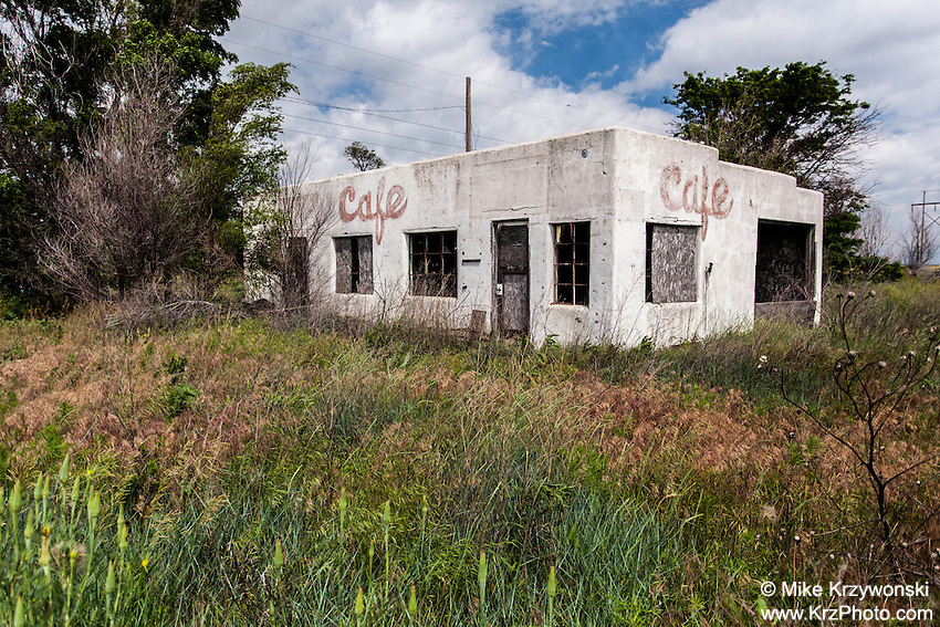 Abandoned cafe in Idalia, KS