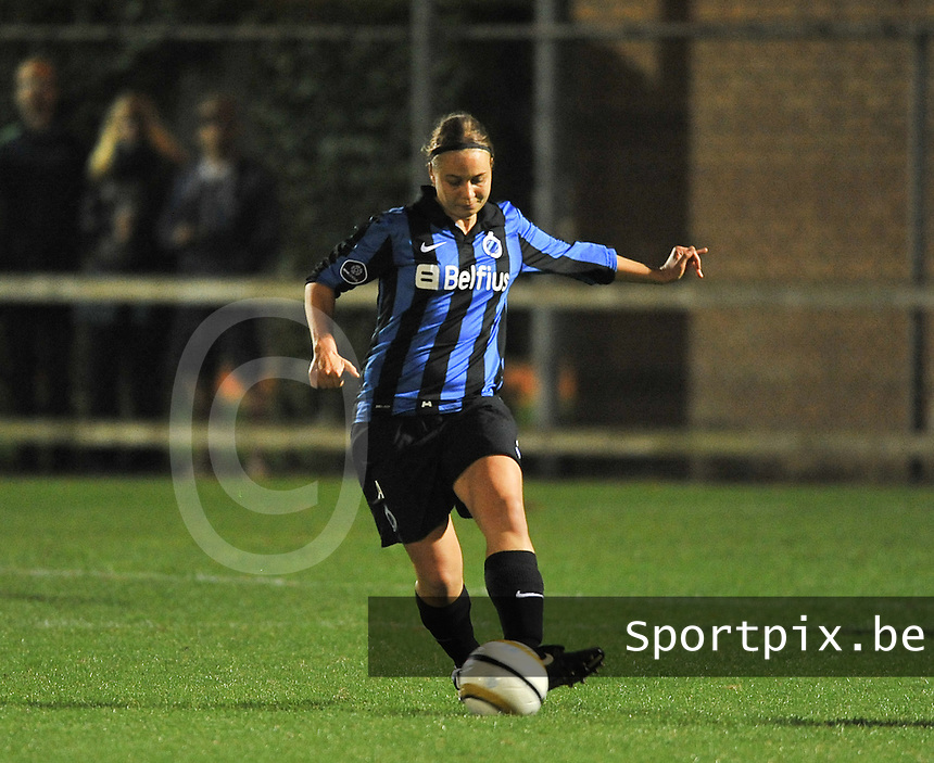 20131001 - VARSENARE , BELGIUM : Brugge's Eva Van Daele pictured during the female soccer match between Club Brugge Vrouwen and Royal Antwerp FC Ladies , of the fifth matchday in the BENELEAGUE competition. Tuesday 1 October 2013. PHOTO DAVID CATRY