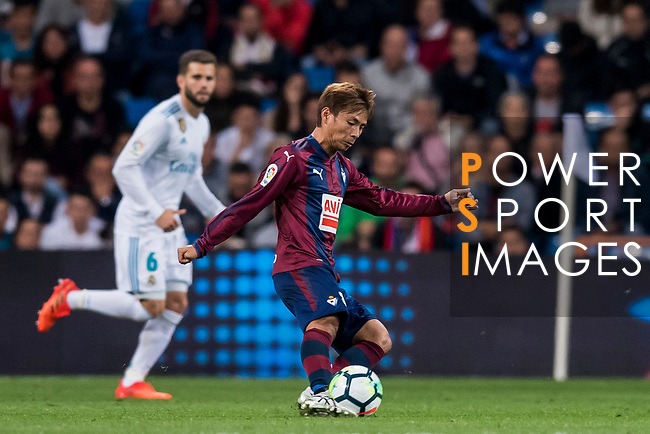 Takashi Inui of SD Eibar in action during the La Liga 2017-18 match between Real Madrid and SD Eibar at Estadio Santiago Bernabeu on 22 October 2017 in Madrid, Spain. Photo by Diego Gonzalez / Power Sport Images