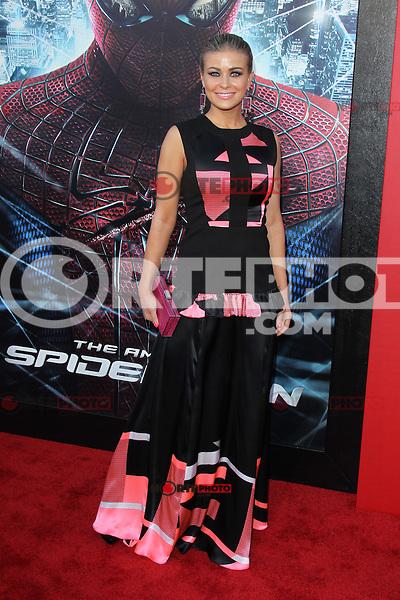 Carmen Electra at the premiere of Columbia Pictures' 'The Amazing Spider-Man' at the Regency Village Theatre on June 28, 2012 in Westwood, California. &copy; mpi22/MediaPunch Inc. *NORTEPHOTO.COM*<br /> **CREDITO*OBLIGATORIO** *No*Venta*A*Terceros* *No*Sale*So*third* *No*Se *Permite*Hacer*Archivo**