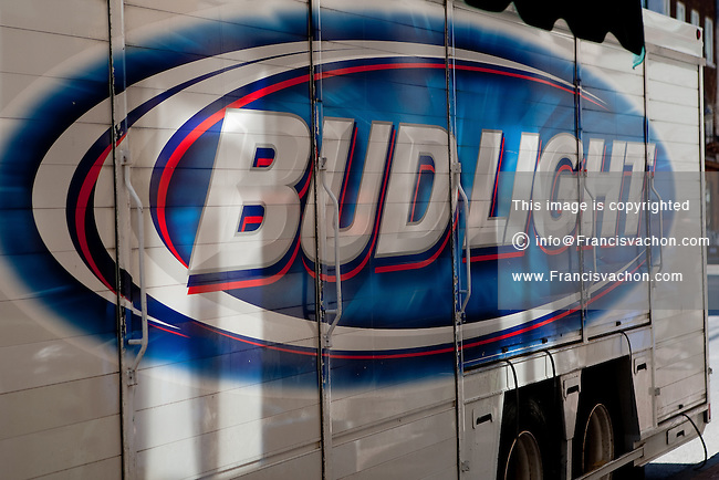 Bud Light logo   Stock photos by Francis Vachon