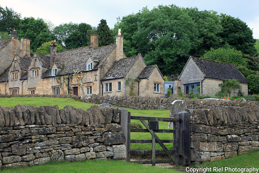 Picturesque homes of The Cotswold area of England that is well-known for gentle hillsides ('wolds'), sleepy villages and for being so 'typically English'.
