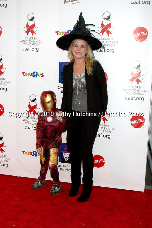 LOS ANGELES - OCT 30:  Alison Sweeney, son Ben arrives at the 17th Annual Dream Halloween benefiting CAAF at Barker Hanger on October 30, 2010 in Santa Monica, CA