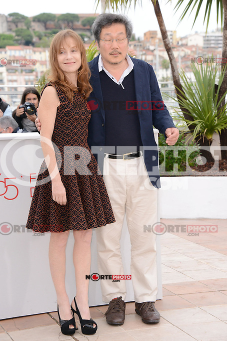 "Isabelle Huppert and Hong Sangsoo attending the ""Da-reun Na-ra-e-suh (In Another Country)"" Photocall during the 65th annual International Cannes Film Festival in Cannes, France, 21th May 2012...Credit: Timm/face to face / Mediapunchinc"