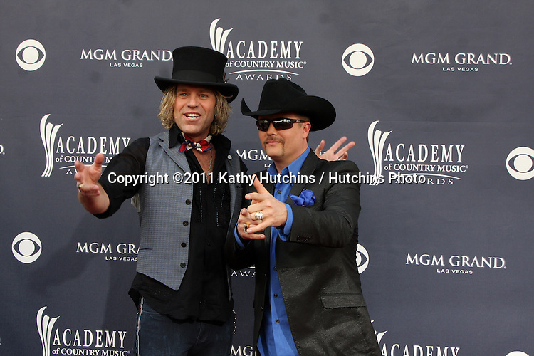 LAS VEGAS - APR 3:  Big and Rich arriving at the Academy of Country Music Awards 2011 at MGM Grand Garden Arena on April 3, 2010 in Las Vegas, NV.