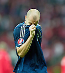 Alan Hutton dejection at end