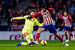 Diego Costa of Atletico de Madrid (R) fights for the ball with Gerard Pique of FC Barcelona (L) during the La Liga 2018-19 match between Atletico Madrid and FC Barcelona at Wanda Metropolitano on November 24 2018 in Madrid, Spain. Photo by Diego Souto / Power Sport Images