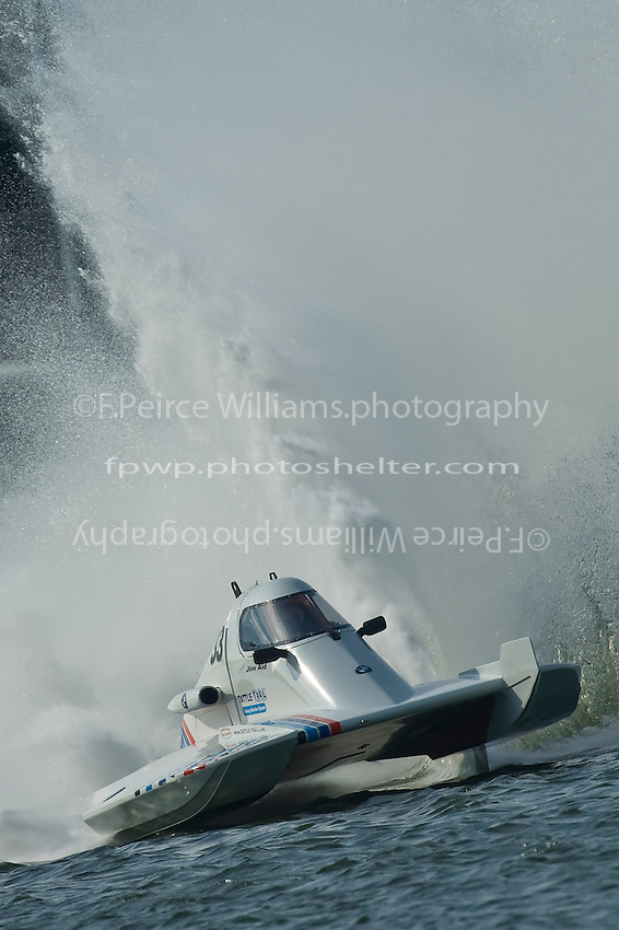 "13 September, 2008  APBA Hillsboro, Ohio, USA.Jim Aid drives the 2.5 Mod class hydroplane ""In Cahoots"" through a corner at the Thunder In The Hills Regatta..©2008 F.Peirce Williams. .F. Peirce Williams .photography.P.O.Box 455 Eaton, OH 45320 USA.317.358.7326  fpwp@mac.com"