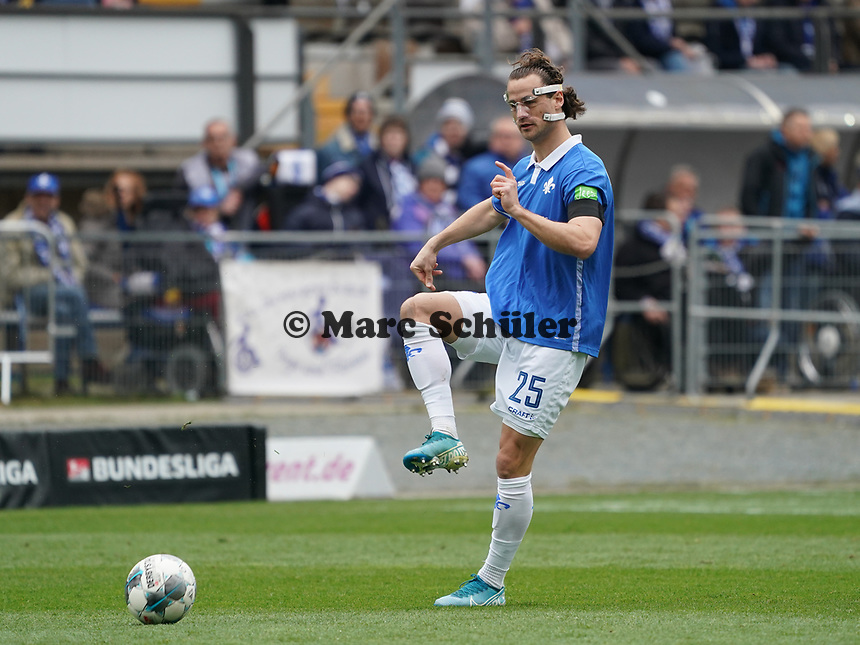 Yannick Stark (SV Darmstadt 98) - 29.02.2020: SV Darmstadt 98 vs. 1. FC Heidenheim, Stadion am Boellenfalltor, 24. Spieltag 2. Bundesliga<br /> <br /> DISCLAIMER: <br /> DFL regulations prohibit any use of photographs as image sequences and/or quasi-video.