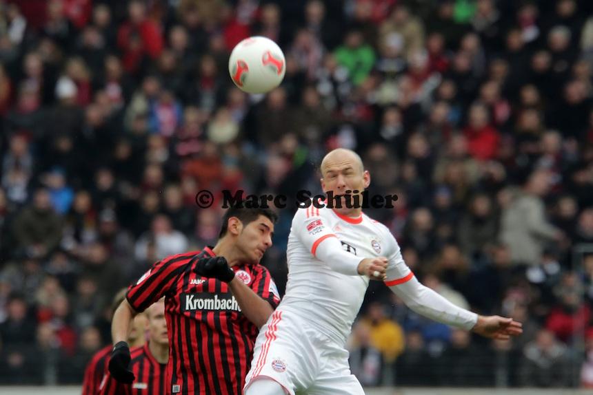 Arjen Robben (Bayern) gegen Carlos Zambrano (Eintracht)