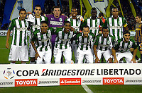 ROSARIO - ARGENTINA - 12-05-2016: Los Jugadores de Atletico Nacional de Colombia posan para una foto, durante partido de ida de cuartos de final, entre Rosario Central y Atletico Nacional por la Copa Bridgestone Libertadores 2016 en el Estadio Gigante de Arroyito, de la ciudad de Rosario. / The players Atletico Nacional of Colombia pose for a photo during a match for the first leg for the quarterfinal between Rosario Central and Atletico Nacional for the Bridgestone Libertadores Cup 2016, in the Gigante de Arroyito Stadium, in Rosario city. Photo: Photogamma / Mario Garcia / VizzorImage / Cont