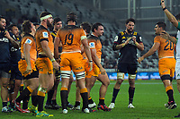 The Highlanders are awarded a penalty during the Super Rugby match between the Highlanders and Jaguares at Forsyth Barr Stadium in Dunedin, New Zealand on Saturday, 11 May 2019. Photo: Dave Lintott / lintottphoto.co.nz