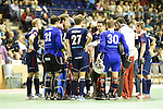 Berlin, Germany, January 31: Team of Rot-Weiss Koeln during timeout during the 1. Bundesliga Herren Hallensaison 2014/15 semi-final hockey match between Rot-Weiss Koeln (dark blue) and Club an der Alster (red) on January 31, 2015 at the Final Four tournament at Max-Schmeling-Halle in Berlin, Germany. Final score 4-3 (2-2). (Photo by Dirk Markgraf / www.265-images.com) *** Local caption ***