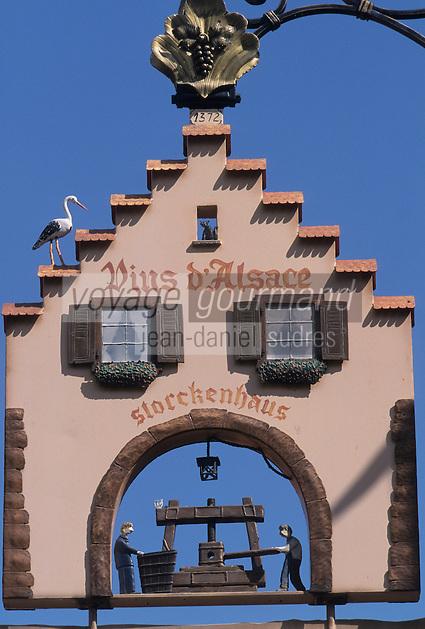 Europe/France/Alsace/68/Haut-Rhin/Gueberschwihr : Enseigne vigneron