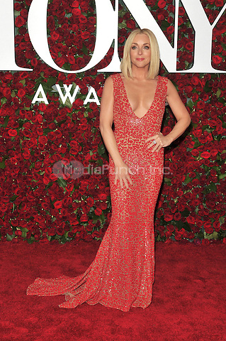 NEW YORK, NY - JUNE 12: Jane Krakowski at the 70th Annual Tony Awards at The Beacon Theatre on June 12, 2016 in New York City. Credit: John Palmer/MediaPunch