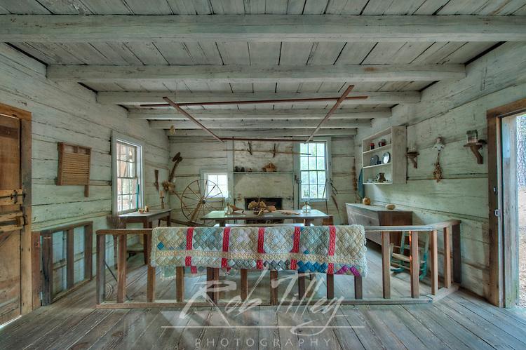 USA, GA, Pine Mountain, Callaway Gardens, Pioneer Log Cabin