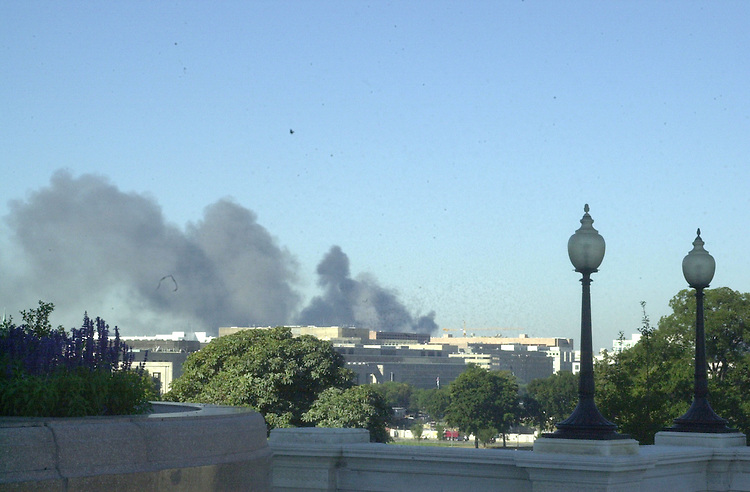 4bombscare091101 --  The view from the north west side of the U.S. Capitol, moments after the Pentagon was bombed.