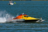 """S-581, """"Twister""""            (2.5 Litre Stock hydroplane(s)"""