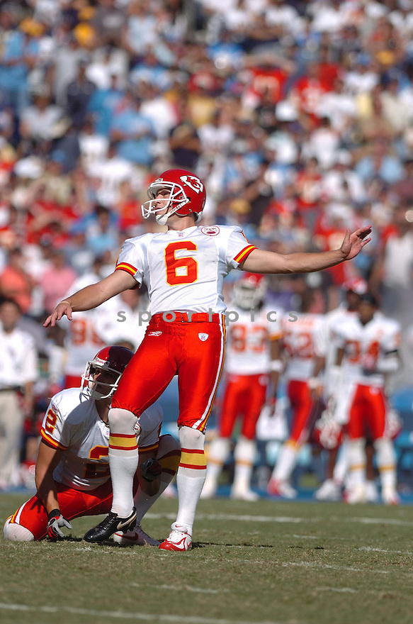 DAVE RAYNER,  of the Kansas City Chiefs , in action during the Chiefs game against the San Diego Chargers in San Diego, CA on September 30, 2007...The Chiefs win 30-16.