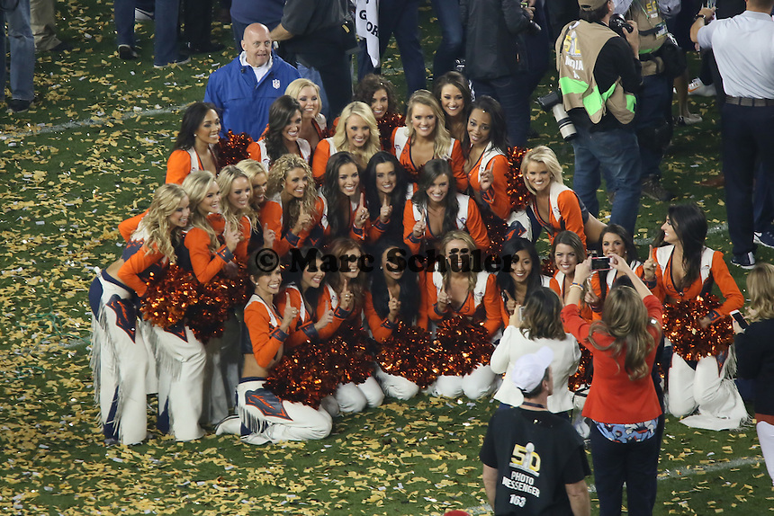 Teamfoto der Broncos Cheerleader - Super Bowl 50: Carolina Panthers vs. Denver Broncos