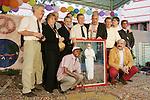 Zaterdag heeft ex-tophockeyer Paul Litjens in Kararachi de nieuwbouw van het tehuis  Dar Ul Sukun, voor gehandicapten en vondelingen geopend. De hockeybond (KNHB) heeft t.g.v. haat 100jaar bestaan in 1998 met een aktie bijna 380.000 € opgehaald voor dit projekt. Hierbij was Litjens ambassadeur van de aktie. Het tehuis is in 1969 gesticht door de Limburgse zuster Truus Lemmens en geeft woonruimte aan 150 kinderen en volwassenen.