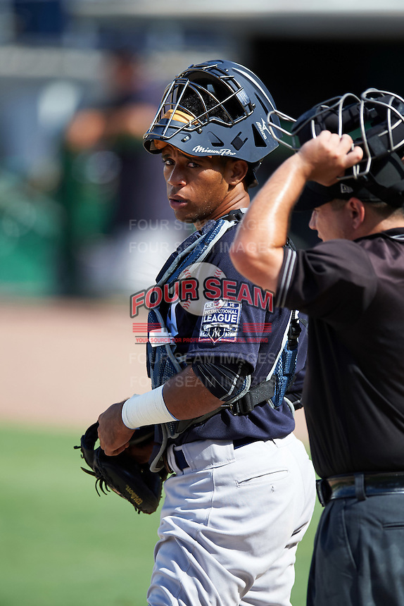 New York Yankees catcher Algeni Mateo (8) during an Instructional League game against the Philadelphia Phillies on September 27, 2016 at Bright House Field in Clearwater, Florida.  (Mike Janes/Four Seam Images)