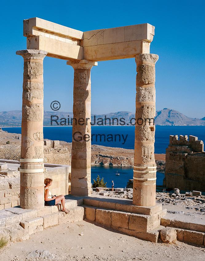 Griechenland, Dodekanes, Rhodos, Lindos: auf der Akropolis von Lindos   Greece, Dodekanes, Rhodes, Lindos: Acropolis of Lindos