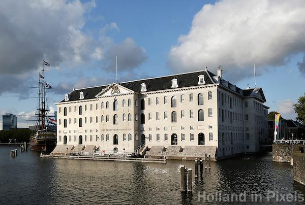 Amsterdam- Scheepvaartmuseum in het Oosterdok