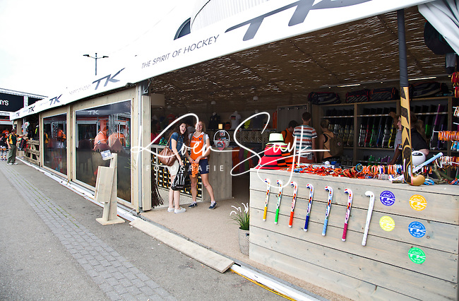 DEN HAAG - Promodorp. TK shop.  Rabobank World Cup Hockey 2014 . COPYRIGHT KOEN SUYK