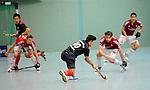 MANNHEIM, DEUTSCHLAND, FEBRUAR 01: Viertelfinale in der 1. Hockey Bundesliga der Herren, Hallensaison 2013/2014. Begegnung zwischen dem Mannheimer HC (blau) und RW Köln (rot) am 01. Februar, 2013 in der Irma-Röchling-Halle in Mannheim, Deutschland. Endstand 4-6. (4-1) (Photo by Dirk Markgraf / www.265-images.com) *** Local caption *** #10 Patrick Hablawetz vom Mannheimer HC, #19 Christopher Zeller von RW Köln