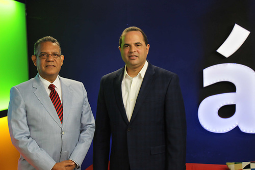 Gustavo Olivo Peña y Manuel Crespo.