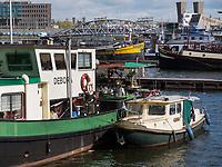 Hafen Oosterdok, Amsterdam, Provinz Nordholland, Niederlande<br /> Oosterdok harbour, Amsterdam, Province North Holland, Netherlands
