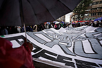 BOGOTA - COLOMBIA, 29-11-2019: Recibimiento de los indígenas que llegan Bogotá para unirse a la novena jornada de paro Nacional en Colombia hoy, 29 de noviembre de 2019. La jornada Nacional es convocada para rechazar el mal gobierno y las decisiones que vulneran los derechos de los Colombianos. / Welcome to the indigenous people that come to Bogota to join the ninth National Strike day in Colombia today, November 29, 2019. The National Strike is convened to reject bad government and decisions that violate the rights of Colombians. Photo: VizzorImage / Diego Cuevas / Cont