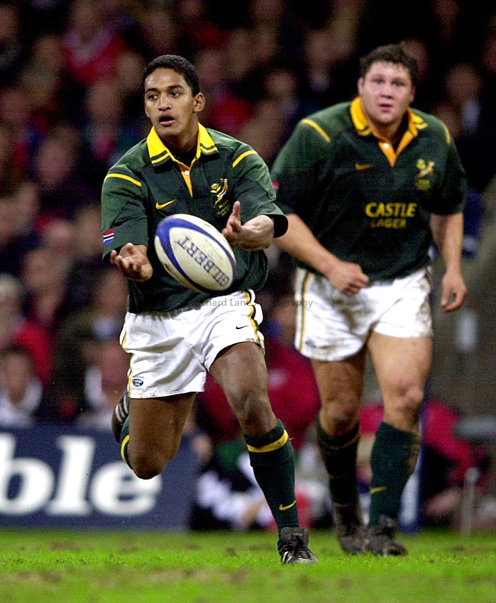 Photo. Richard Lane. .Barbarians v South Africa at the Millennium Stadium, Cardiff. 10-12-2000. The Scottish Amicable Challenge..Breyton Paulse.