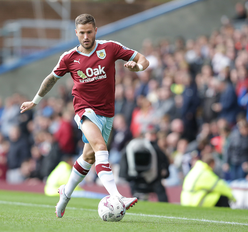 Burnley's Michael Kightly<br /> <br /> Photographer Stephen White/CameraSport<br /> <br /> Football - The Football League Sky Bet Championship - Burnley v Sheffield Wednesday - Saturday 12th September 2015 -  Turf Moor - Burnley<br /> <br /> &copy; CameraSport - 43 Linden Ave. Countesthorpe. Leicester. England. LE8 5PG - Tel: +44 (0) 116 277 4147 - admin@camerasport.com - www.camerasport.com