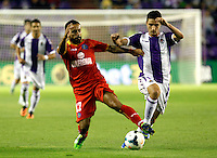Getafe's Diego Castro (l) during La Liga match.August 31,2013. (ALTERPHOTOS/Victor Blanco)