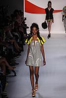 ATENCAO EDITOR IMAGEM EMBARGADA PARA VEICULOS INTERNACIONAIS - RIO DE JANEIRO, RJ, 09 NOVEMBRO 2012 - FASHION RIO - COCA COLA CLOTHING - Desfile da grife Coca Cola Clothing durante a Fashion Rio Outono/Inverno 2013 realizada no Pier Maua, no centro do Rio de Janeiro, nesta sexta-feira, 09. (FOTO: WILLIAM VOLCOV / BRAZIL PHOTO PRESS).