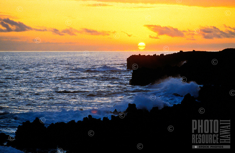 Wainapanapa coastline at sunset, Maui