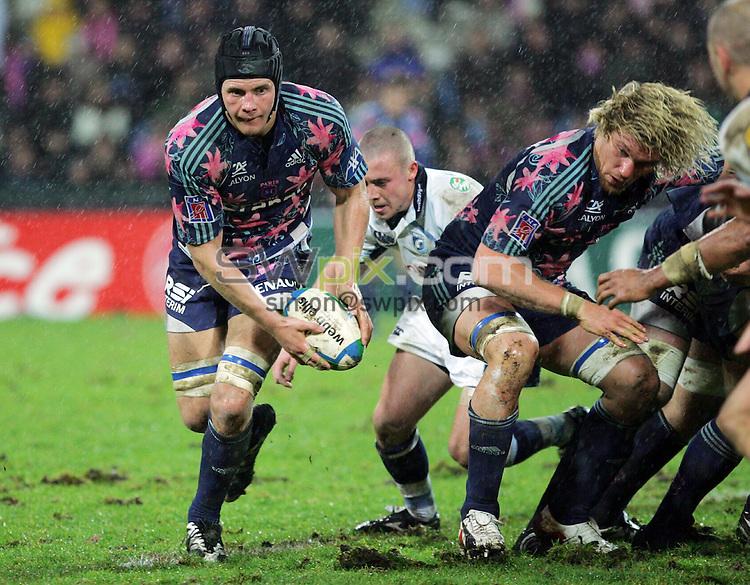 PICTURE BY DAVE WINTER/SWPIX.COM - Rugby Union - Heineken Cup - Stade Francais v London Wasps - Stade Marcel Michelin, Paris, France - 09/12/07...Copyright - Simon Wilkinson - 07811267706..Stade Francais's Simon Taylor.