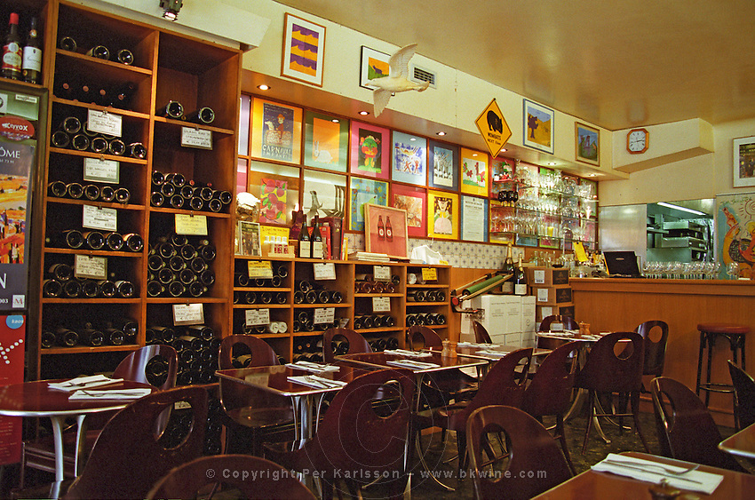 Juveniles, a wine bar, restaurant and wine shop in Paris, owned by the Scotsman Tim Johnston Paris, France.